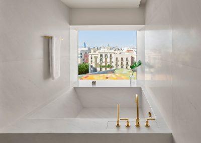 Loft-Suite-Bathroom
